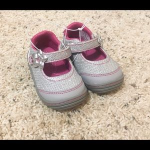 SURPRIZE stride rite toddler shoes